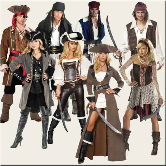 pirater i en babyseng med masser af babyudstyr